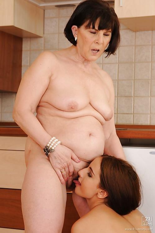 Mature Milf  Young Teen Lesbians Taster - 11 Pics -6783