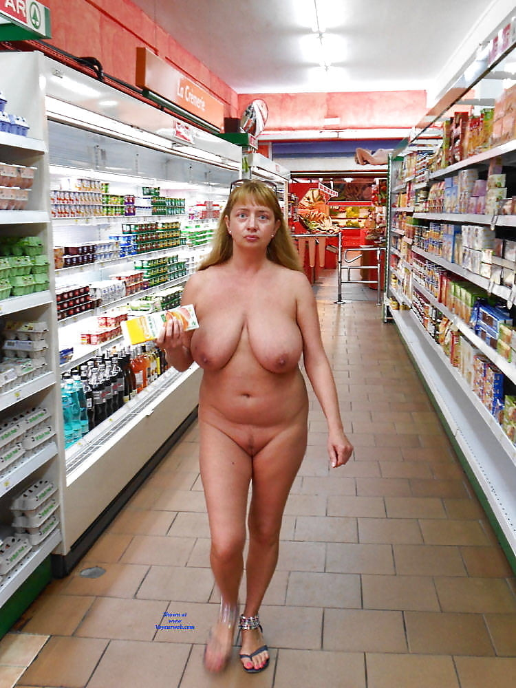 Women nude at walmart, nudevipporn live