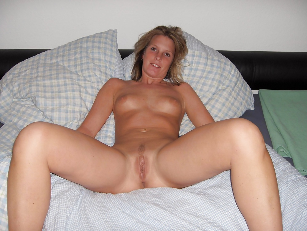 Pretty amateur girl posing