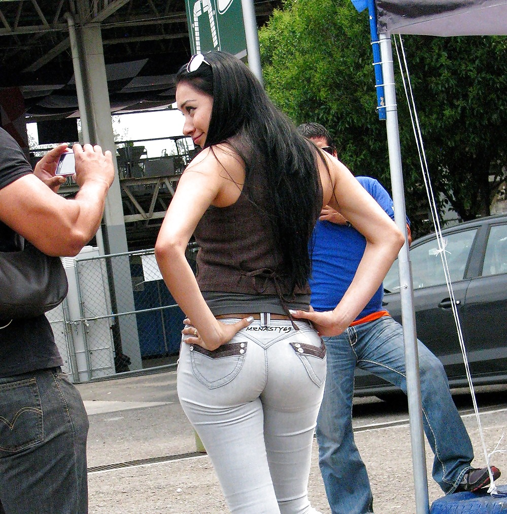 Perfect Big Ass In Super Tight Jeans In Public