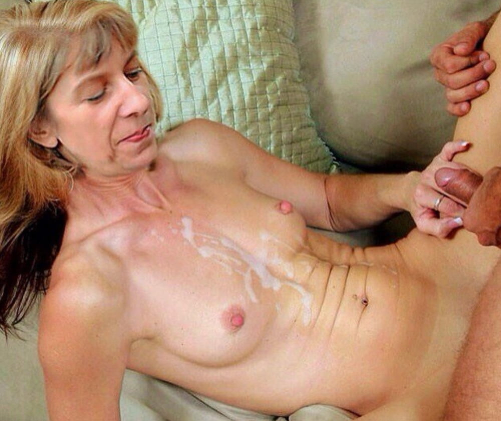 Amateur mature moms cum shot
