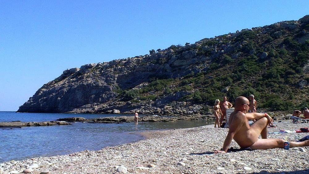 nambeesans-naked-greece-naked-women