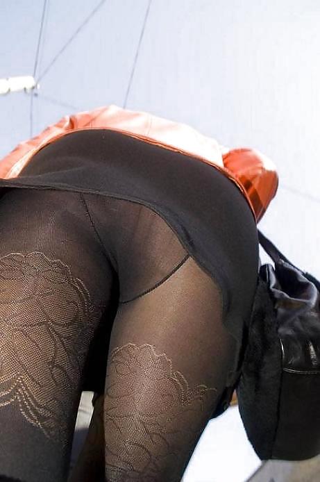 номере колготки женские фото под юбки порно фото бесплатно
