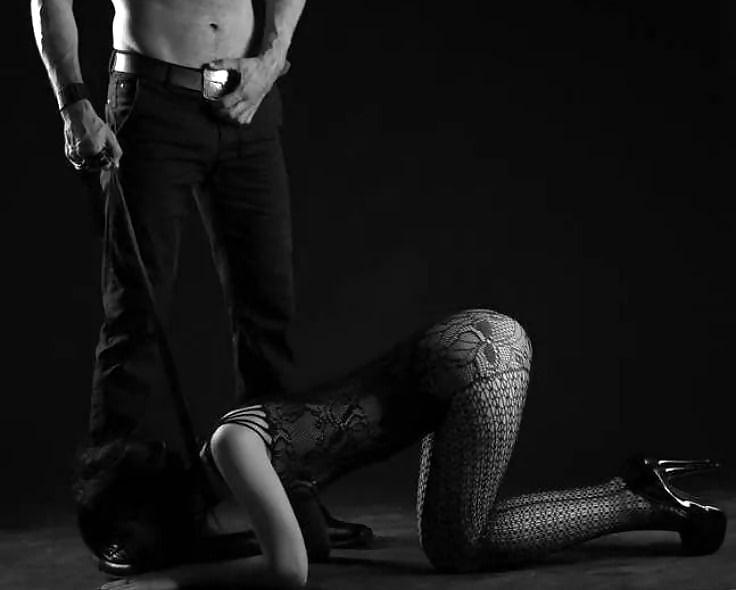 Смотреть онлайн сексуальное доминирование мужчины над женщиной