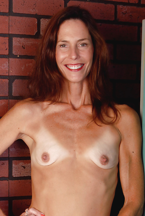 Girls topless flat chested old milfs porno borrachas