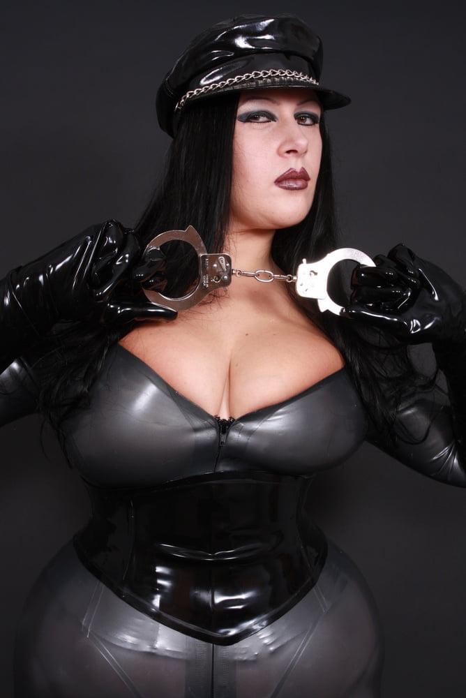 Big boob in latex