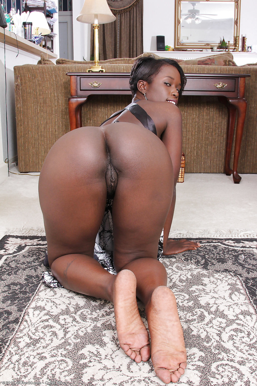 Red bone ebony milf nude