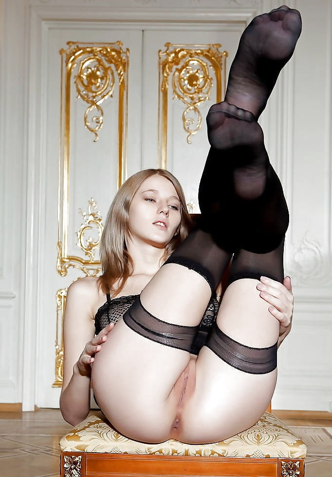 naked-sucking-nylons-young-pussy-movie-theater