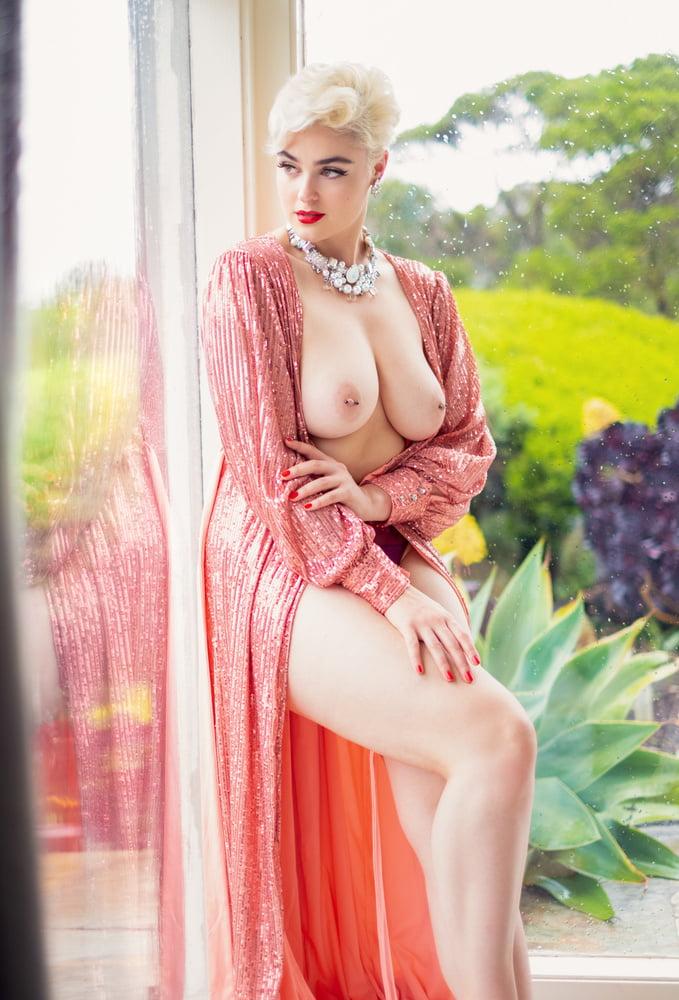 Virat kohli nude pictures
