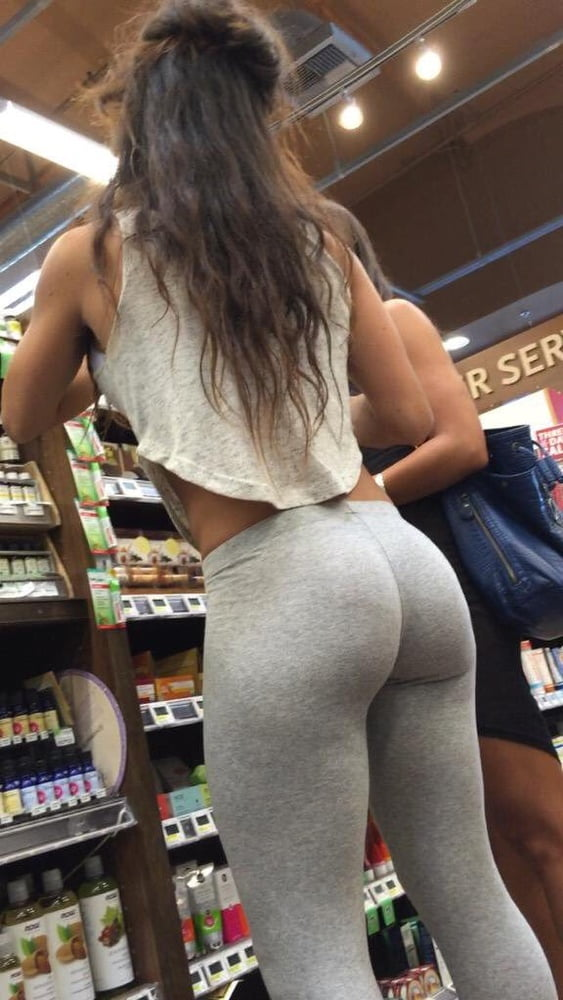 Candid Latina Milf Huge Round Bubble Butt In Yoga Pant, Uploaded By Ittasiss
