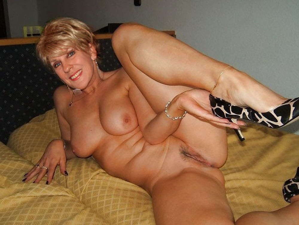 Horny sexy mature woman galery
