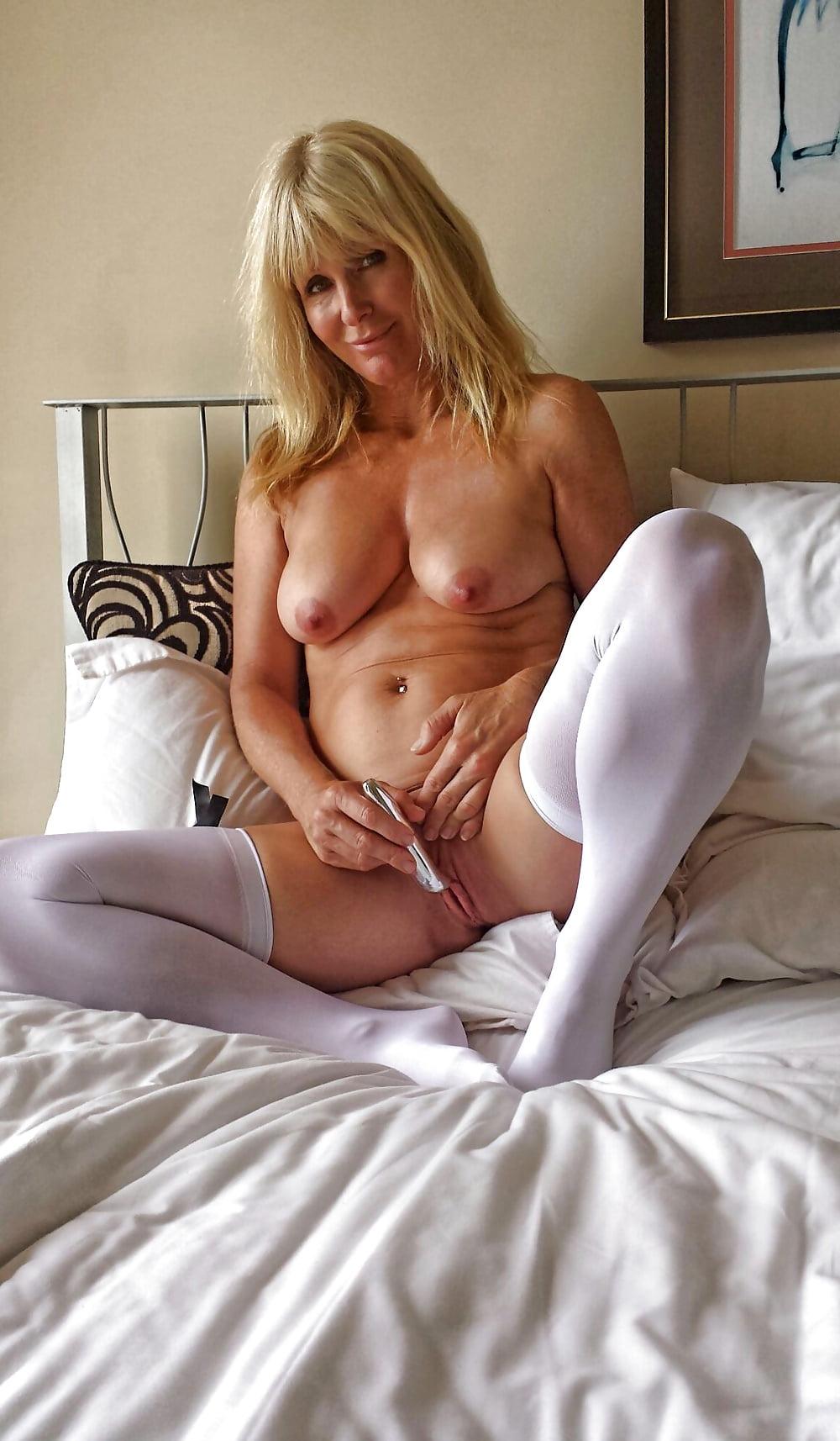 Eu hot nude mom