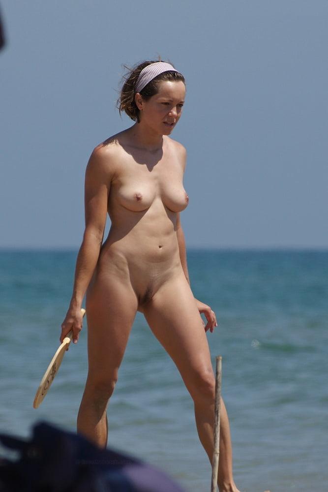 Hot girls nude beach