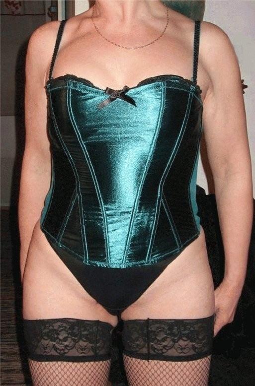 Matures in corsetes mix - 52 Pics