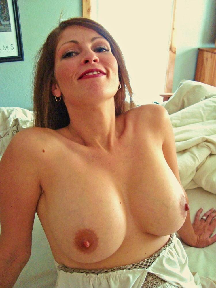 Mature huge tits boobs