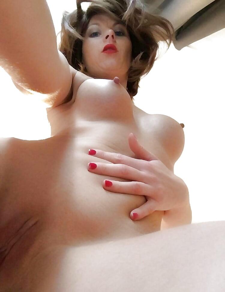 porno-foto-vozbuzhdenie-grudi