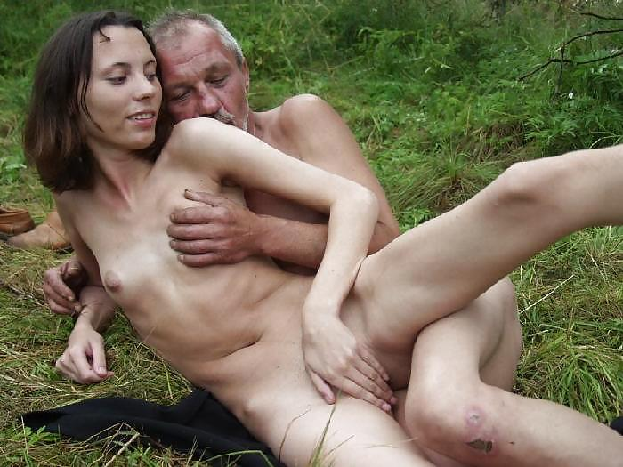 Богатая Порно Актриса Darcia Lee Дала Старому Бомжу