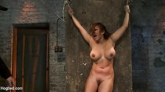 Nude girlfriend blowjob