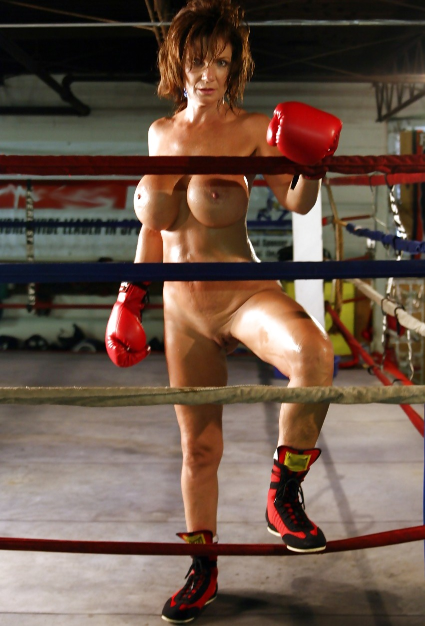 Facial yvonne boxing nude man