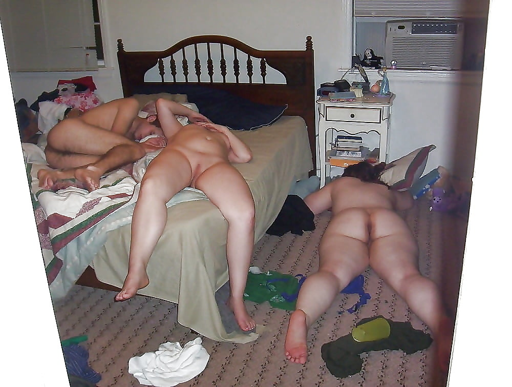 anekdoti-russkoe-porno-podglyadivanie-za-suprugami-podrugi-podnimayut