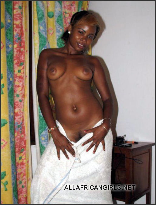 African natural tits-4563