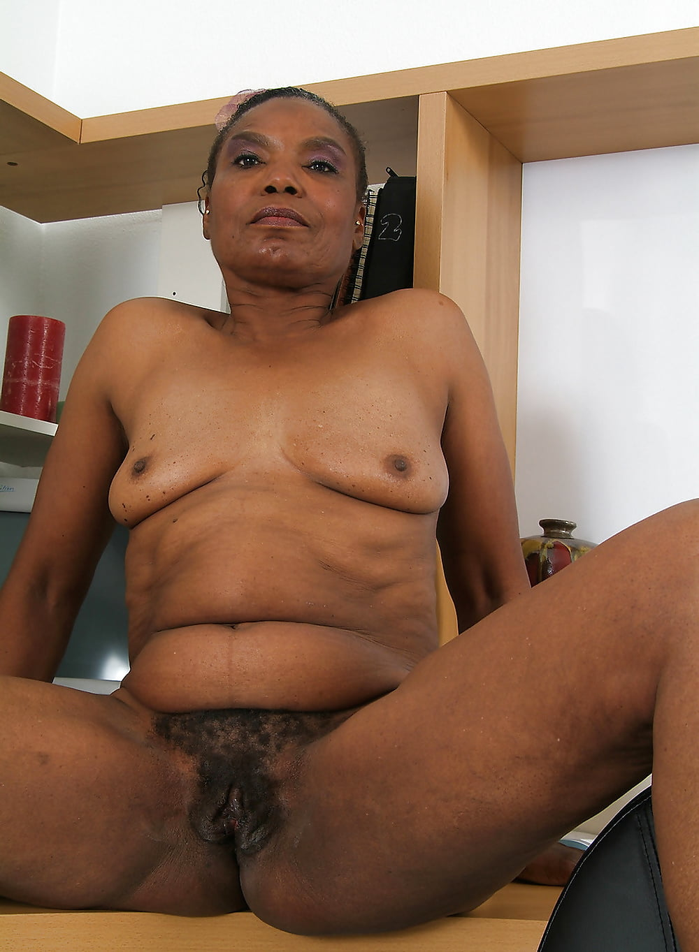 ebony-naked-grannies-only