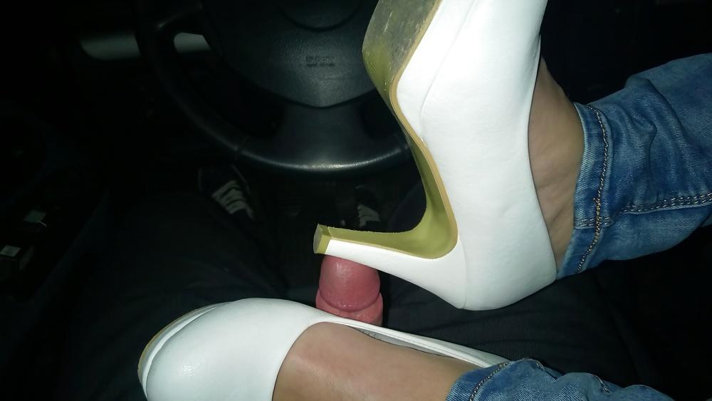 Nylon toes fetish