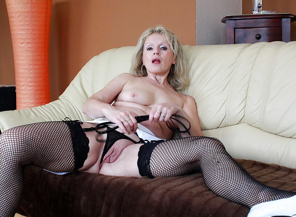 Naughty nude gilfs, girl desileg