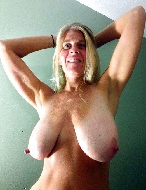 Big Boobs Mature 46 - 69 Pics