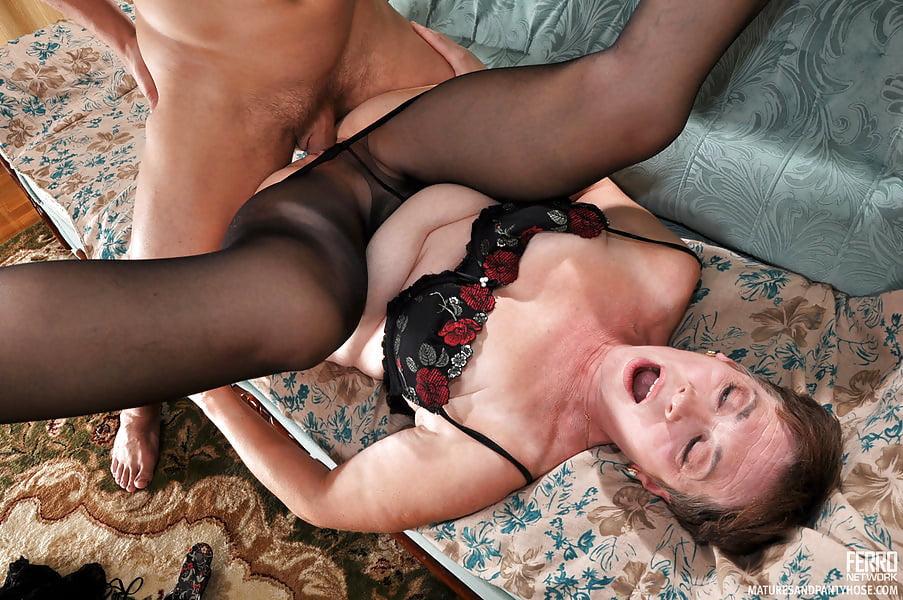 Salacious Mature Lets A Guy Touch Her Pantyhosed Crotch Before Hard Pantyhose Sex