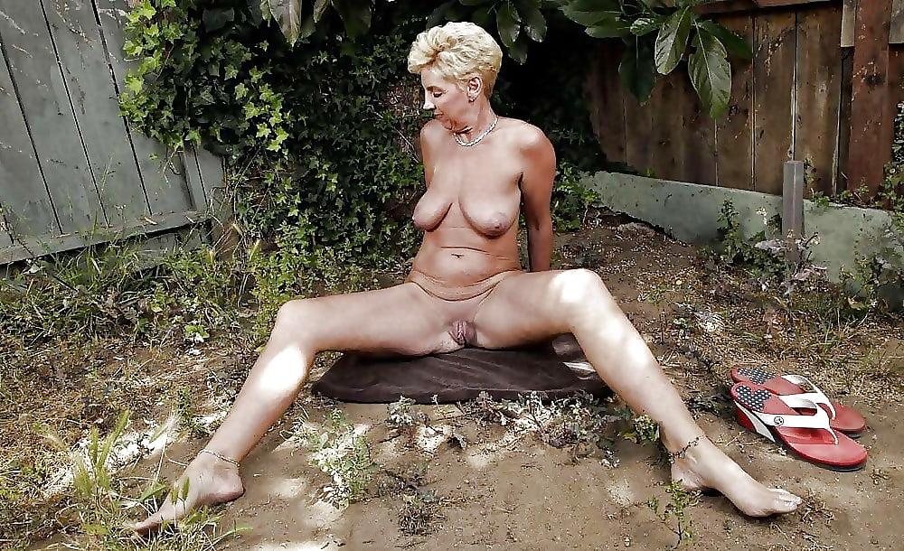 Dolly Kitzler Outdoor Gloryhole