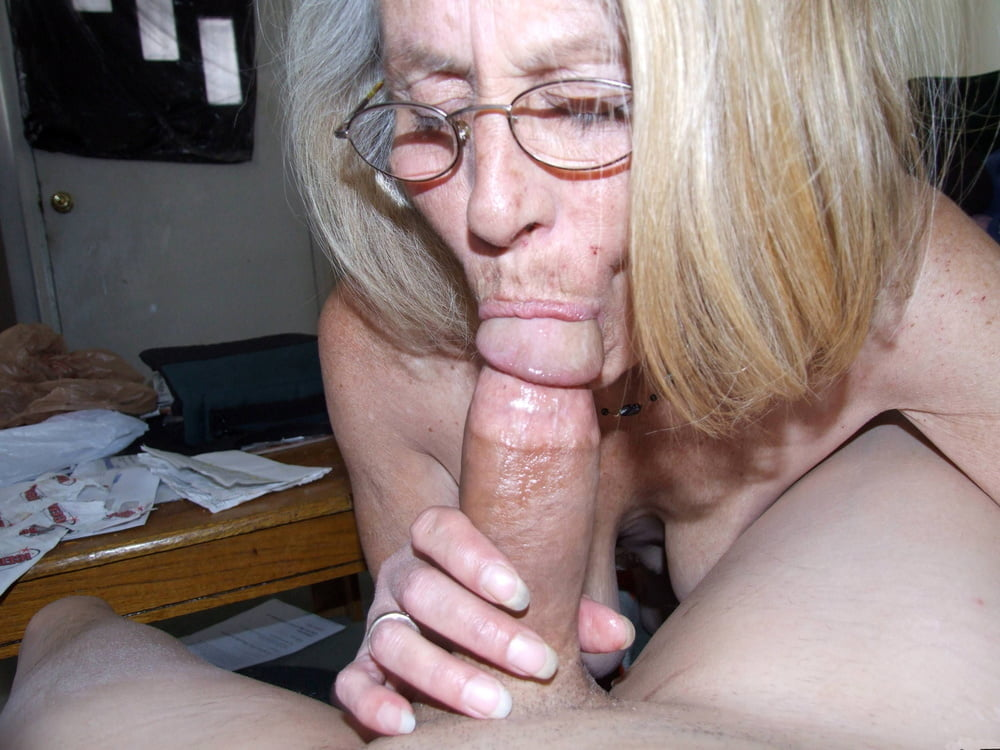 A old women sucking a old mature men's cock