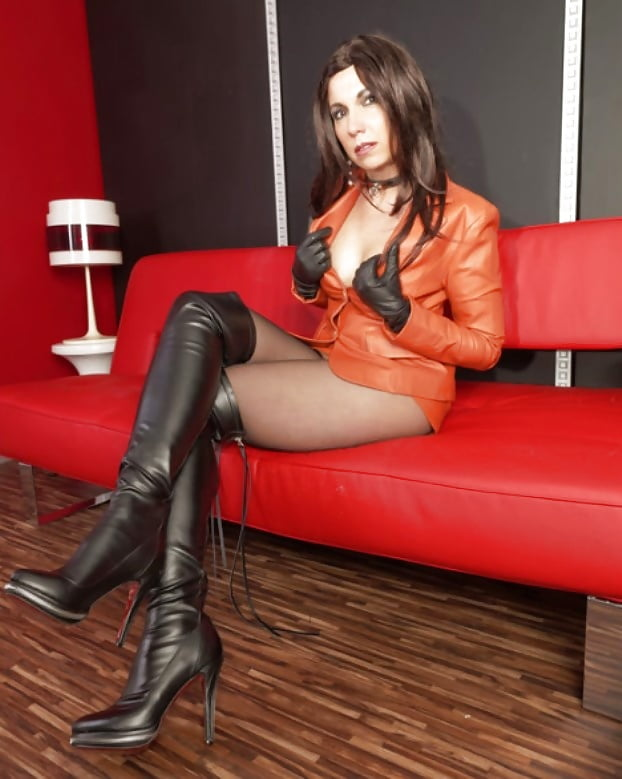 Latex rubber thigh boots rubber fetish boots dominatrix