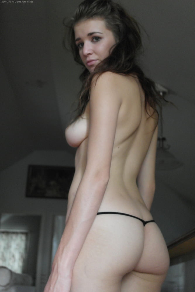 Wife fucks a sybian Mom and dad fucks while sons and daughter study in hall11