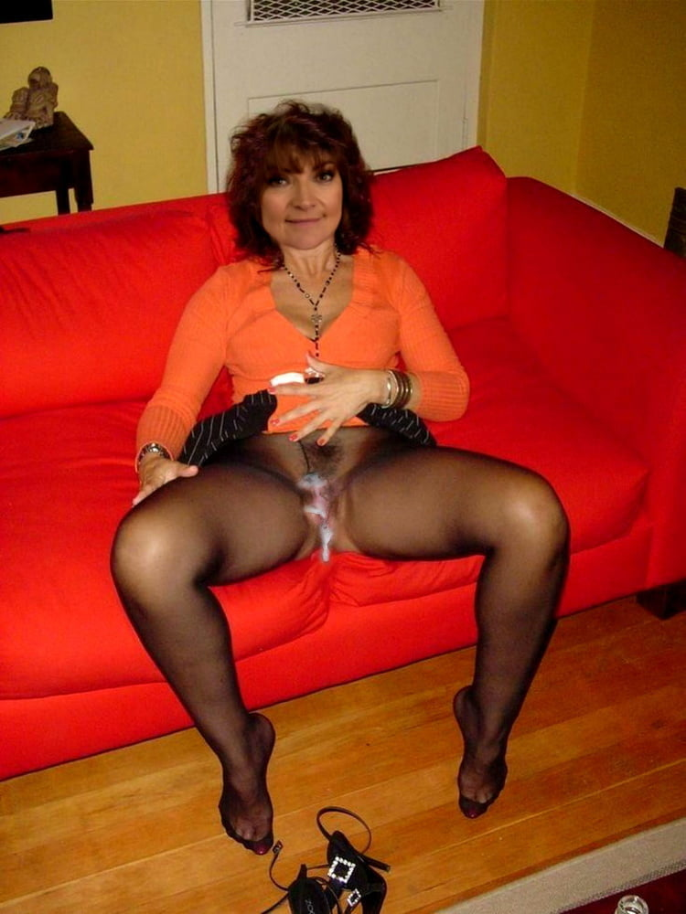 Pantyhoseimages matures in nylon tights