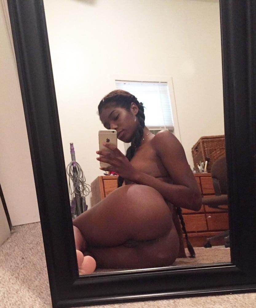 Sexy teen selfie-9332