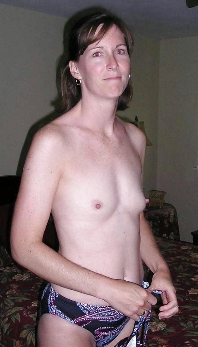 Toplesss flat chested adult woman, hot srilanken school girls