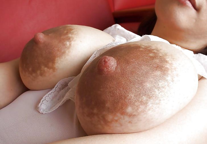 Amateur horny milf with big nipples give milk gagaporn amateur xxx