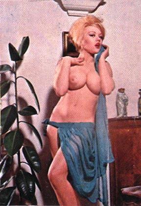 Vintage Boobs 30 - 201 Pics