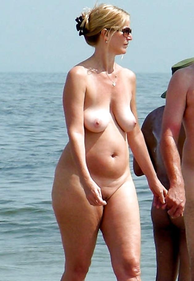 girl beach Chubby nude