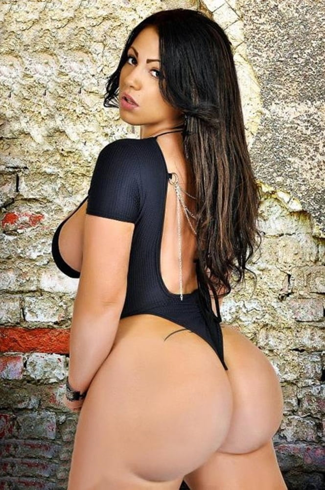 Sexy light skinned colombian brunette pornstar