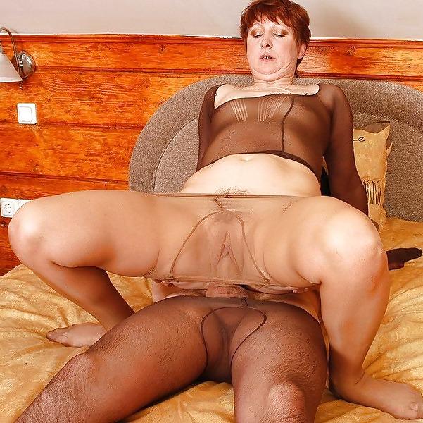 Kinky mature pantyhose sex