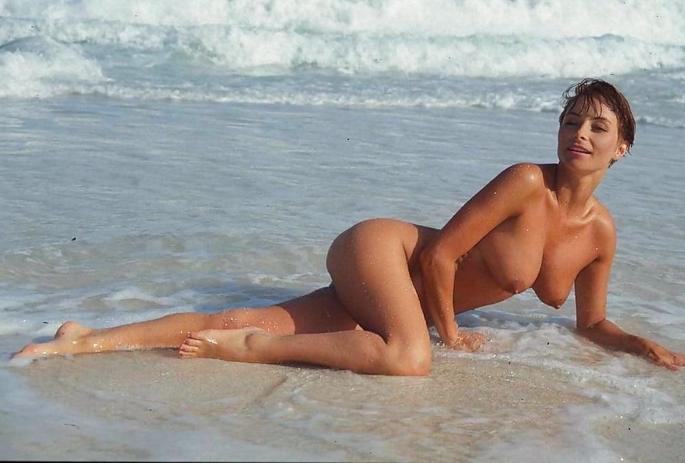 Vida Garman Beach Porn ImagePost 1