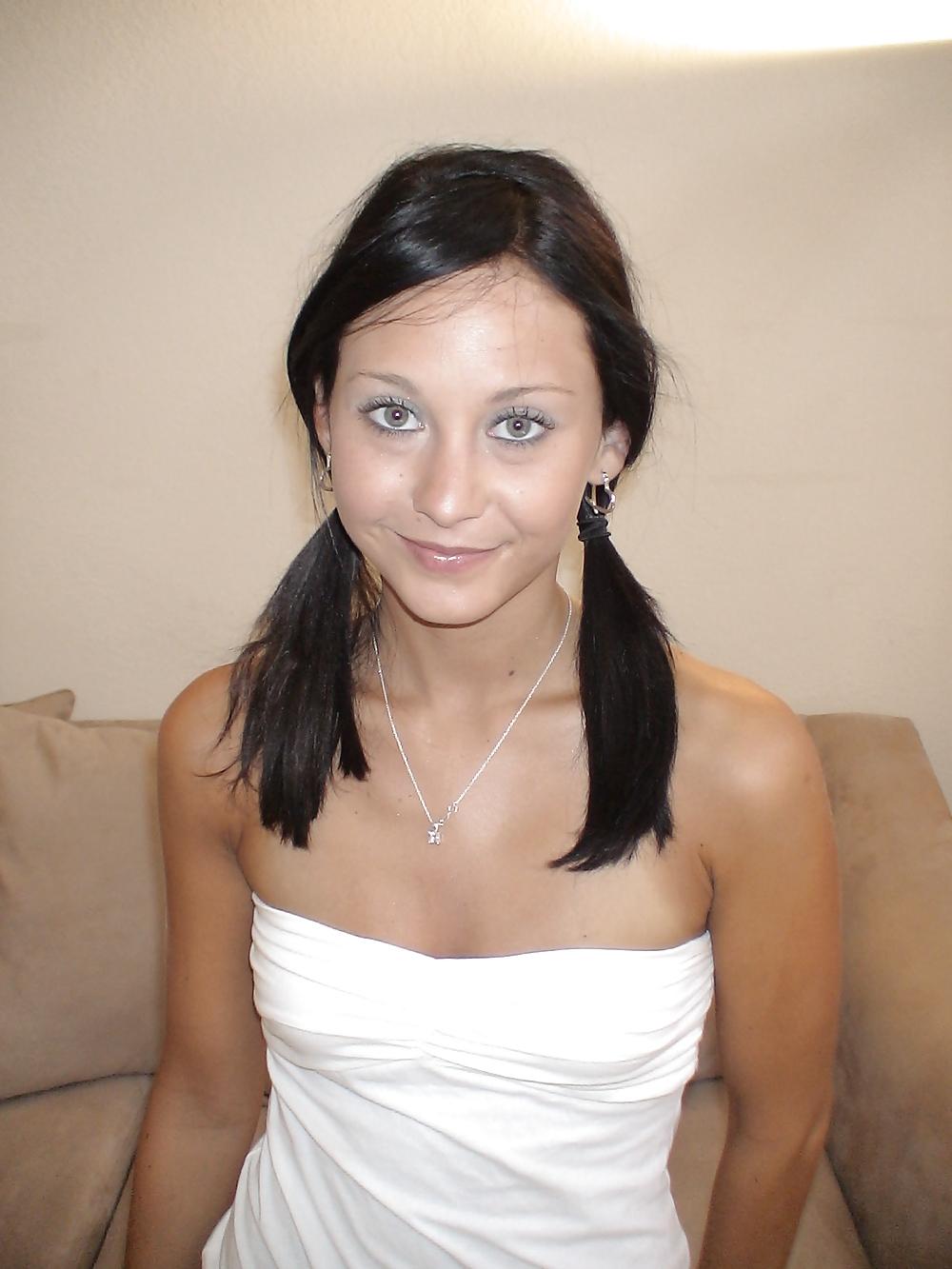 Cute Amateur Brunette Teen