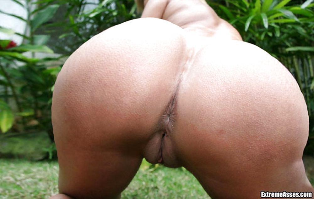 nude-nude-extreme-asses-wife-sucks