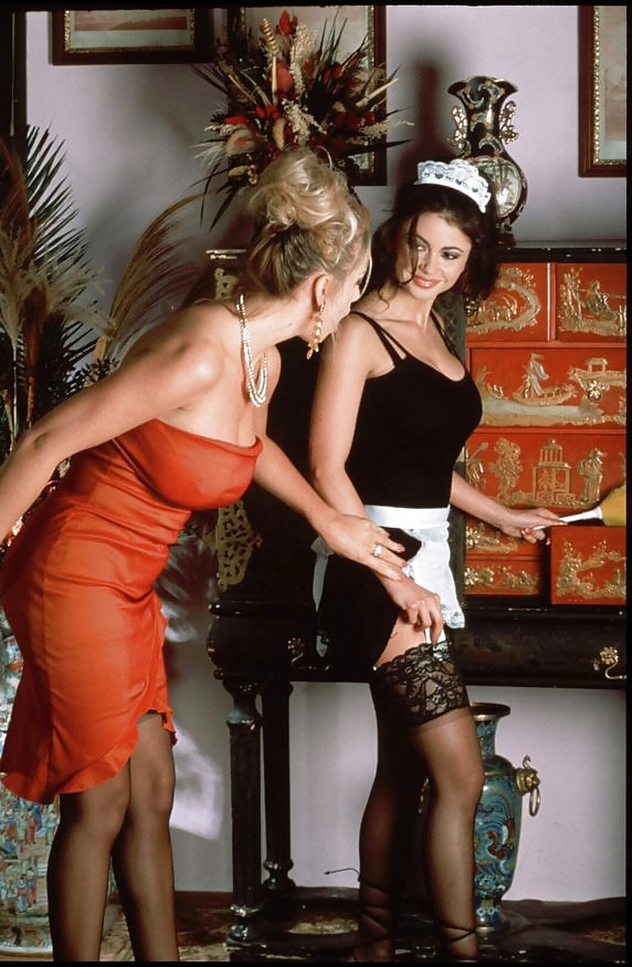 Lesbian seduces girl-3288