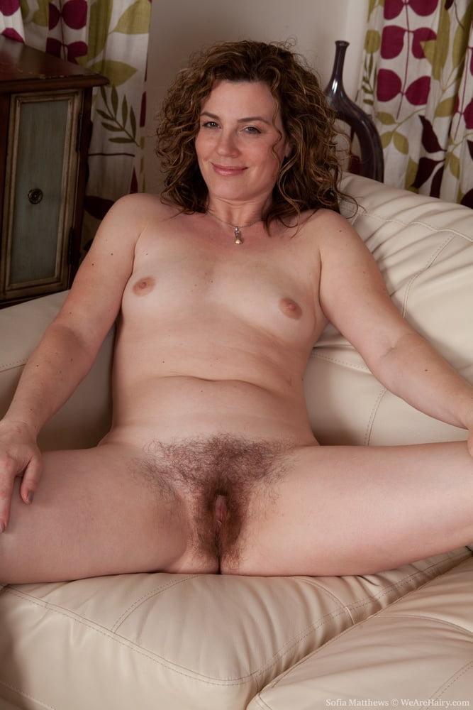 nude-mature-hairy-pussy-athlete
