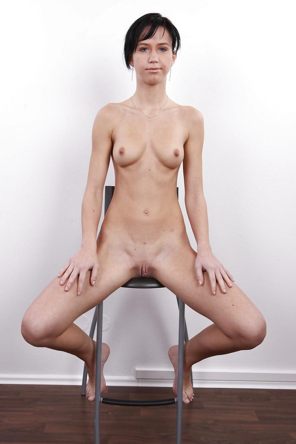 Женщиной нейлоновых смотреть порно кастинг очень худых девушек раб госпожа