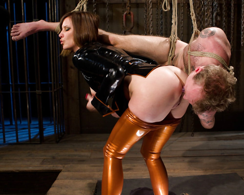 Mistress Yaszzy Facesitting And Male Orgasm