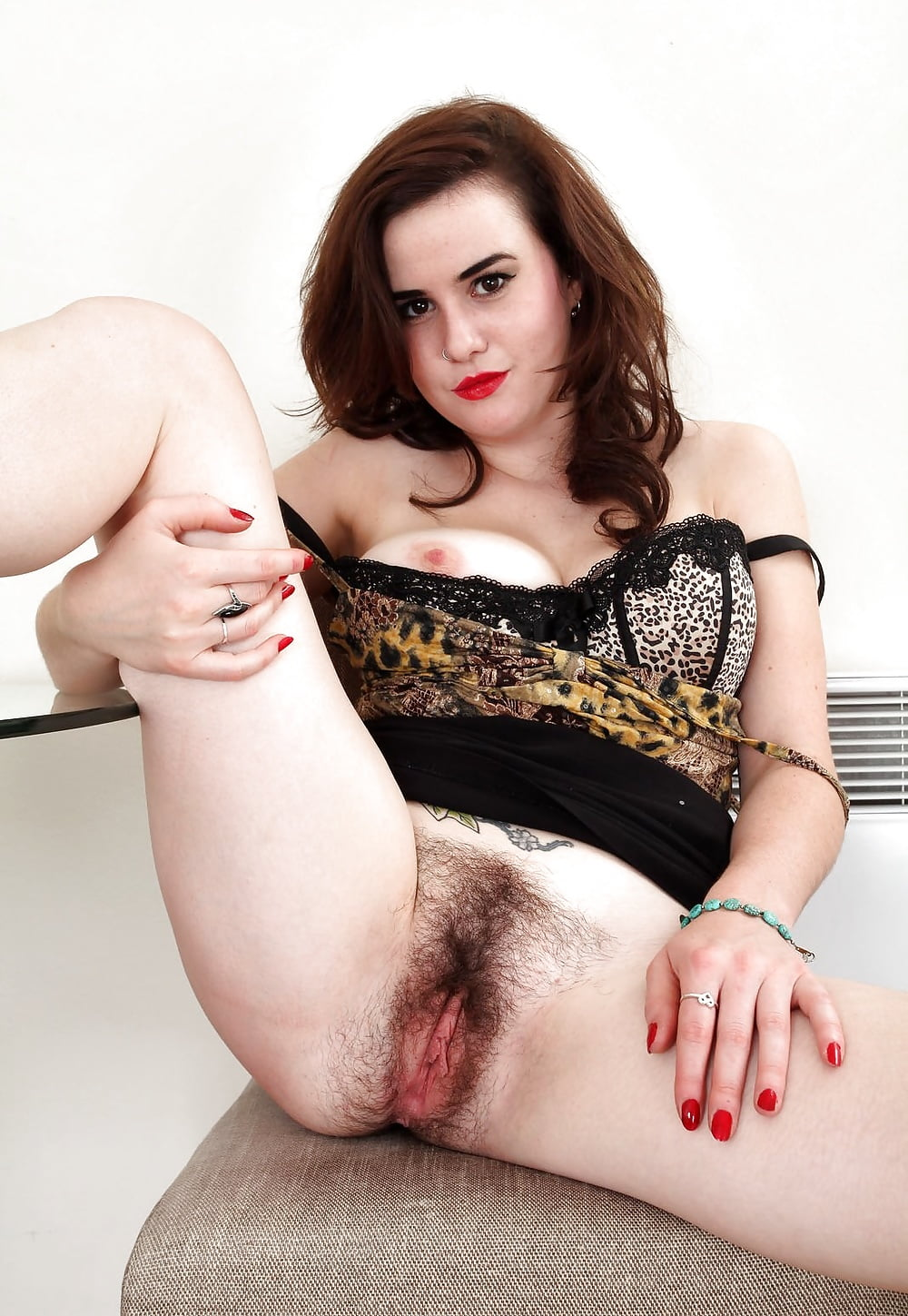 hairy-brunettes-pussy